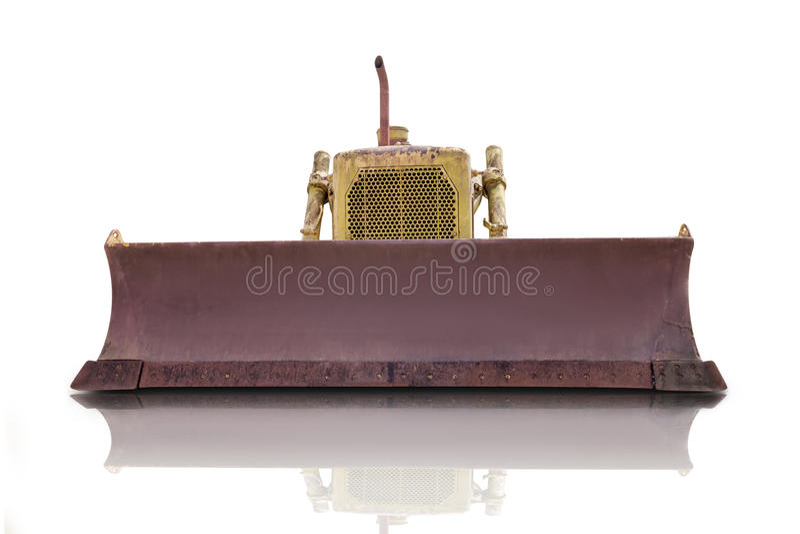 Vieux tracteur d'isolement sur le fond blanc, chemin de coupure images stock