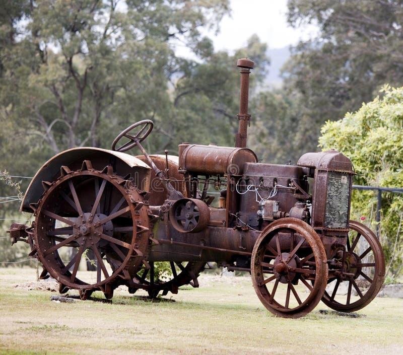 Vieux tracteur de vapeur images stock