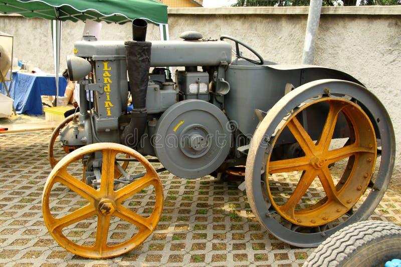 Vieux tracteur Landini photo libre de droits