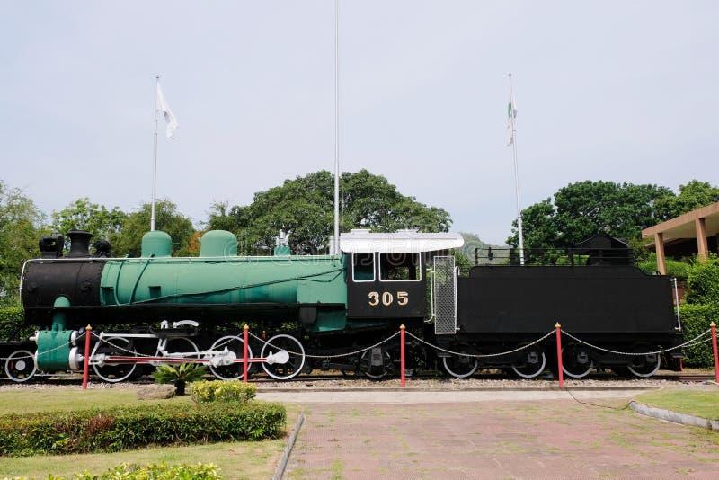 Vieux train abandonné de machine à vapeur, exhibé en stationThailand de Hua HIn images stock