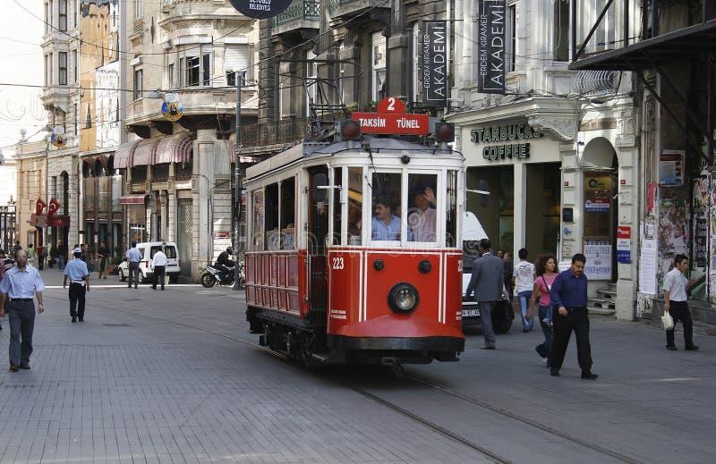 Vieux tram à Istanbul image stock
