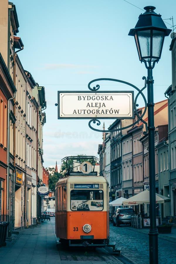 Vieux tram antique hors d'usage dans Bydgoszcz photos libres de droits