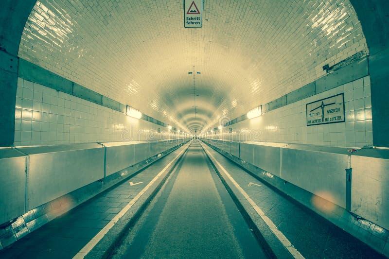 Vieux tunnel de Hambourg Elbe photo stock