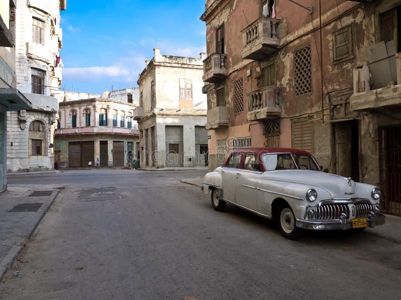 Vieux Véhicule Américain Classique à Vieille La Havane Photo stock éditorial
