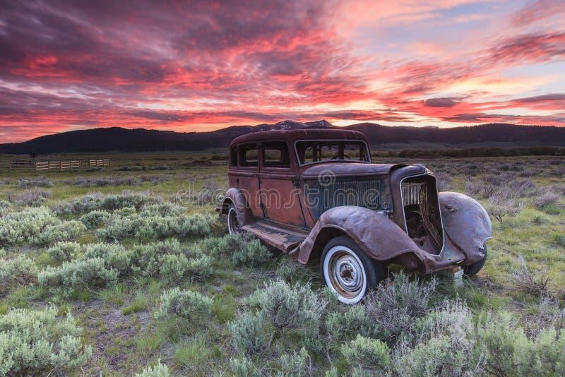 Vieux véhicule rustique photo libre de droits
