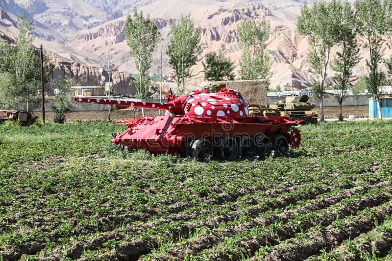 Vieux véhicules blindés hors d'usage et abandonnés en Afghanistan photo stock