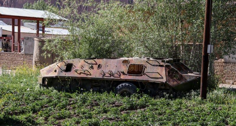 Vieux véhicules blindés hors d'usage et abandonnés en Afghanistan image libre de droits