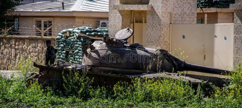 Vieux véhicules blindés hors d'usage et abandonnés en Afghanistan photos libres de droits