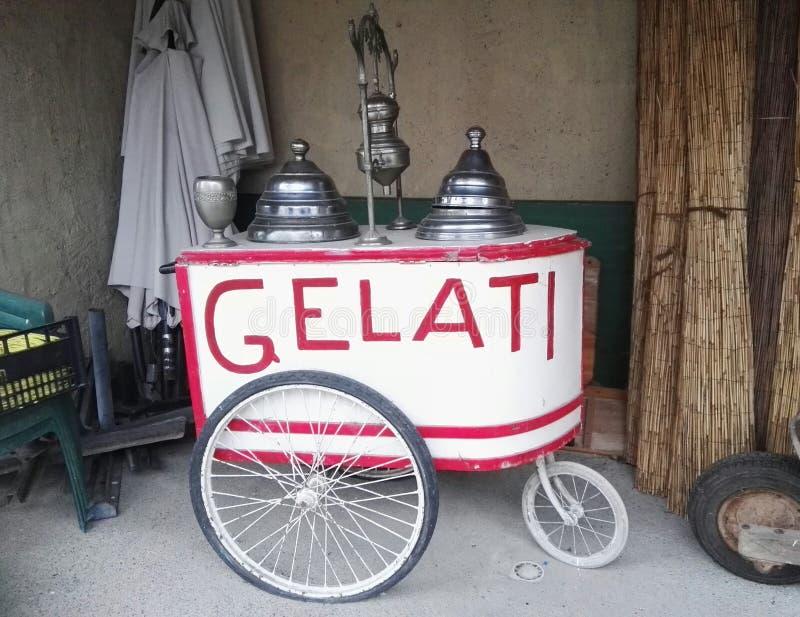 Vieux vélo de crème glacée  images stock