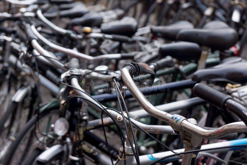 Vieux vélos néerlandais photographie stock