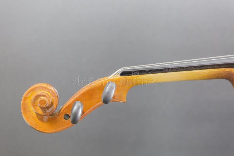 Vieux violon en bois classique détaillé photos libres de droits