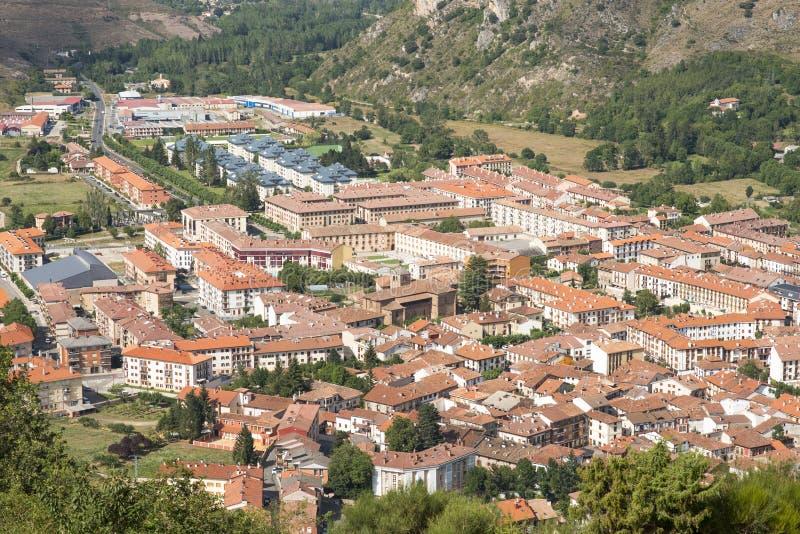 Viev del villaggio di Ezcaray, La Rioja, Spagna fotografia stock libera da diritti