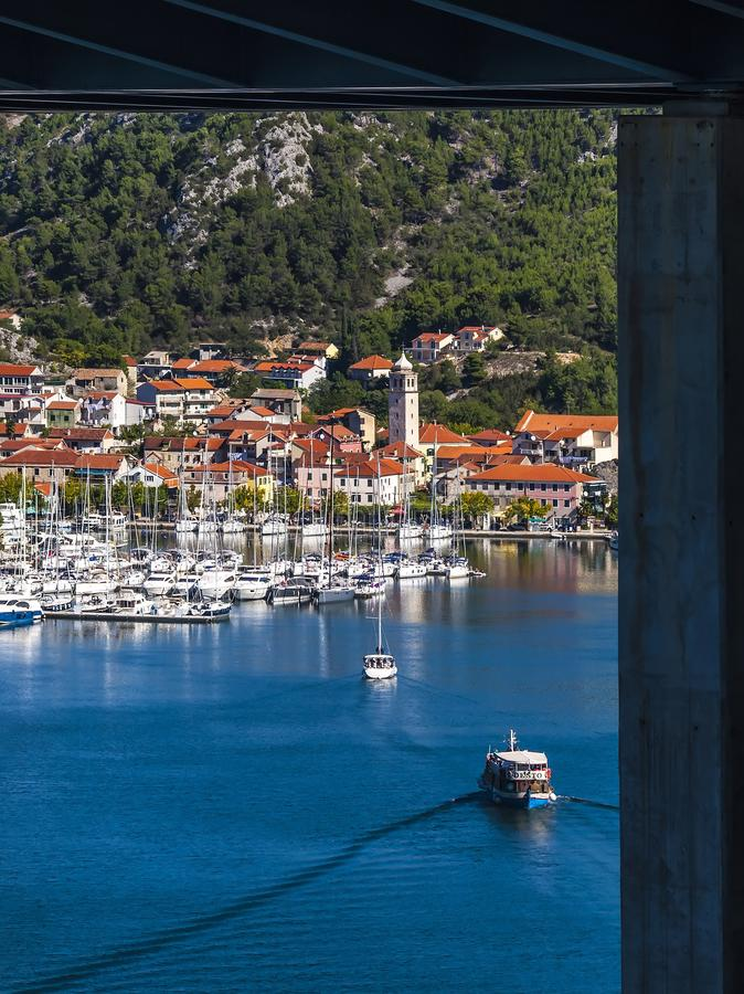 Free View At Small Croatian Town Skradin Stock Photography - 159438432