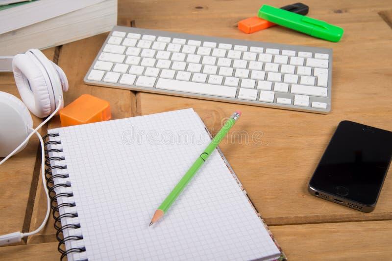 https://thumbs.dreamstime.com/b/view-college-student-desk-top-workspace-note-pad-lap-pencil-headphones-43328892.jpg