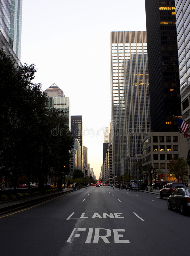 View down park avenue stock photography