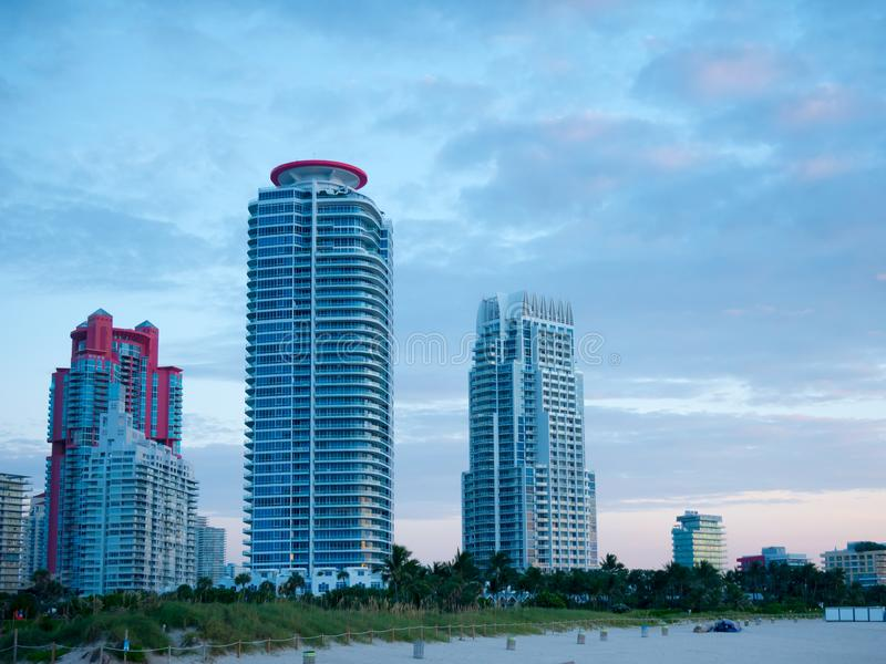 View of flat condos in South Pointe Park, Miami Beach stock afbeelding