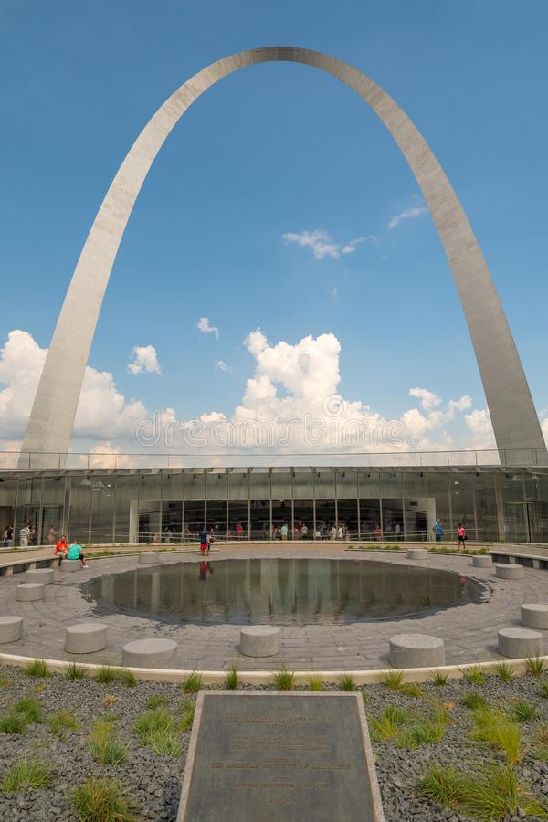 The gate way arch and recently built Museum in st louis misouri. A view of the Gateway arch in ST. Louis Misouri. The arch was designed to represent the westward stock images