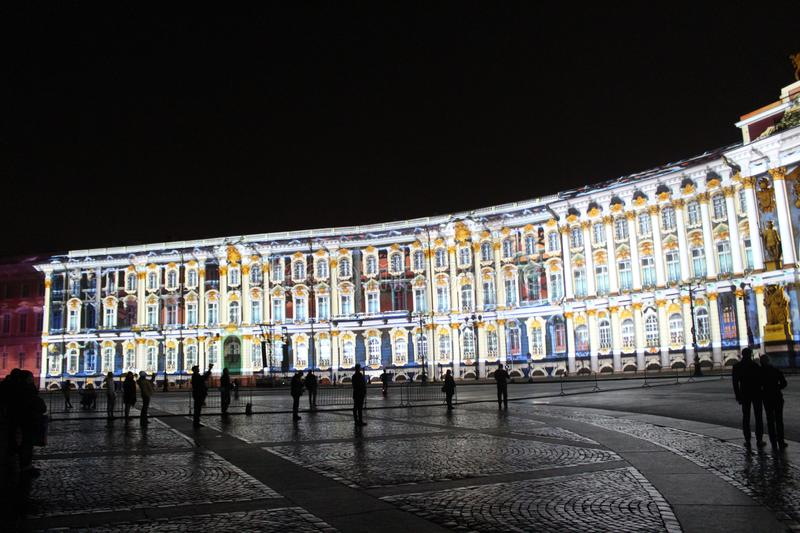 View of the General Staff Arch during the celebration of the city holiday Festival of Lights. View of the General Staff Arch in Saint-Petersburg during the stock photos