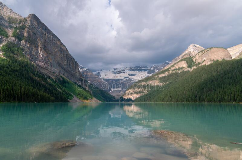 View of Lake Louise at Banff National Park stock photography