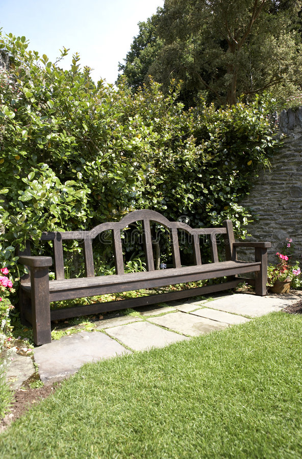 Free View Of A Garden Bench Stock Images - 1060664