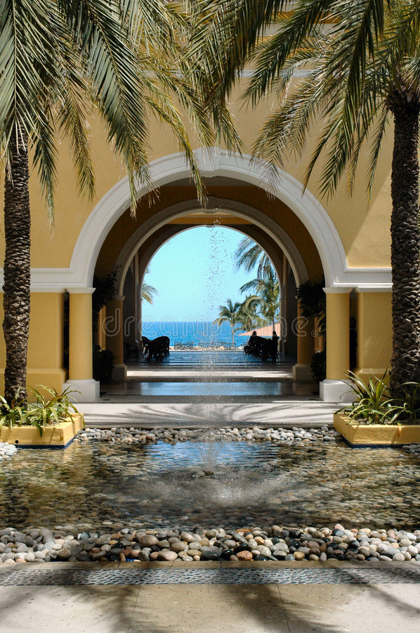 Free View Of Ocean Through Archway In Cabo San Lucas, Mexico Stock Photo - 195820