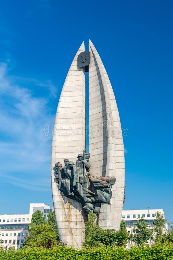 Free View Of Revolution Monument On Blue Sky Stock Photo - 194595800