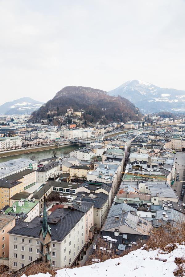The View Over the Salzach River i Salzburg Skyline zdjęcia stock