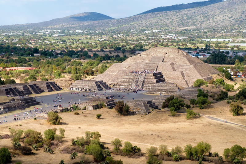 View of the Pyramid of the Moon and the Avenue of the Dead at Teotihuacan in Mexico stock photos