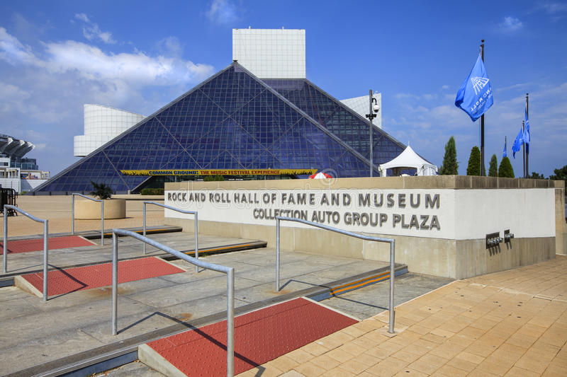 View of the Rock and Roll Museum, Ohio, USA stock photos