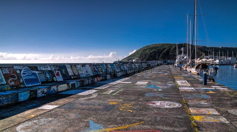 Viewe Horta molo w schronieniu Faial wyspa, Azores, Portugalia zdjęcia royalty free