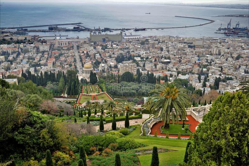 1_Views de haute sur les jardins de Bahai photos libres de droits