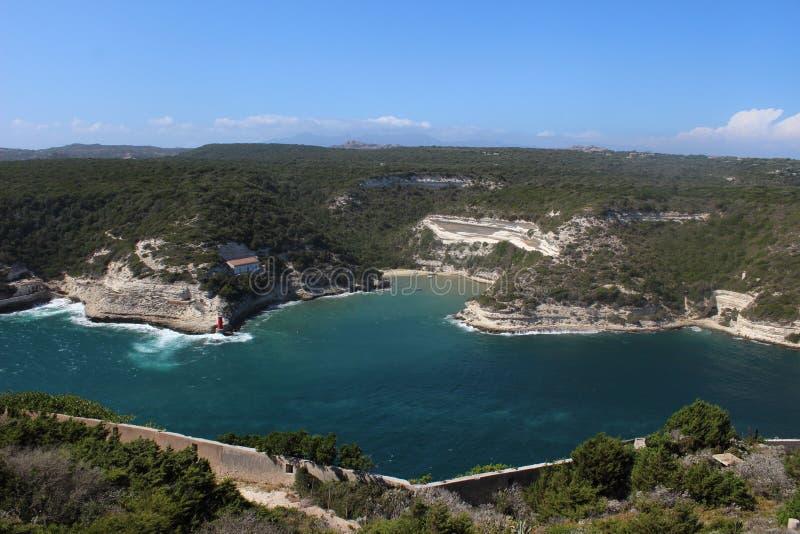 ViewSight Bonifacio ` s bayberry w korsykaninie w morzu śródziemnomorskim obraz royalty free