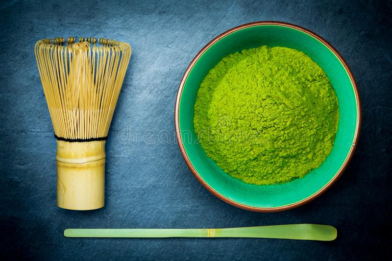 Viftar skedar bambu för bunken Matcha för grönt te och arkivfoton