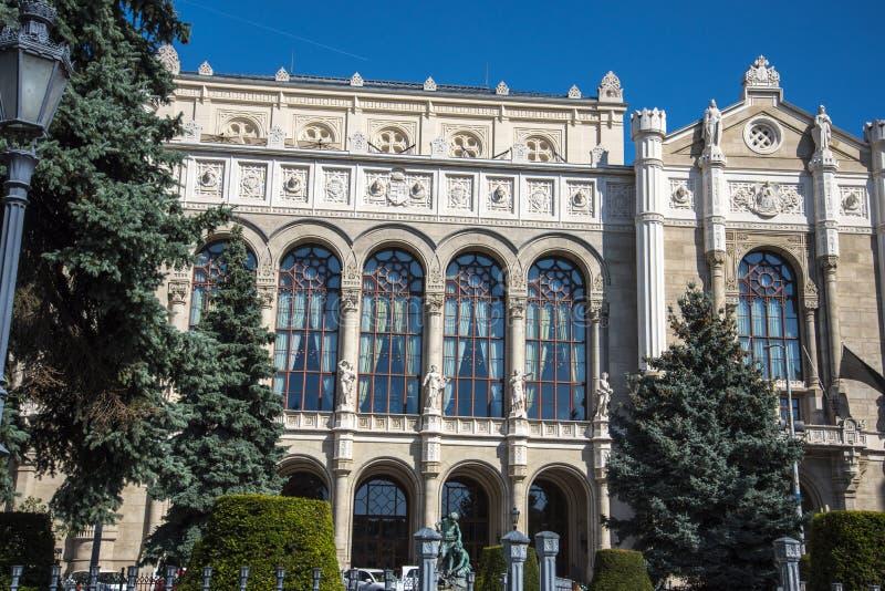 Vigado es usualmente traducido como Lugar de Merrimento es la segunda sala de conciertos más grande de Budapest en la orilla este imagen de archivo