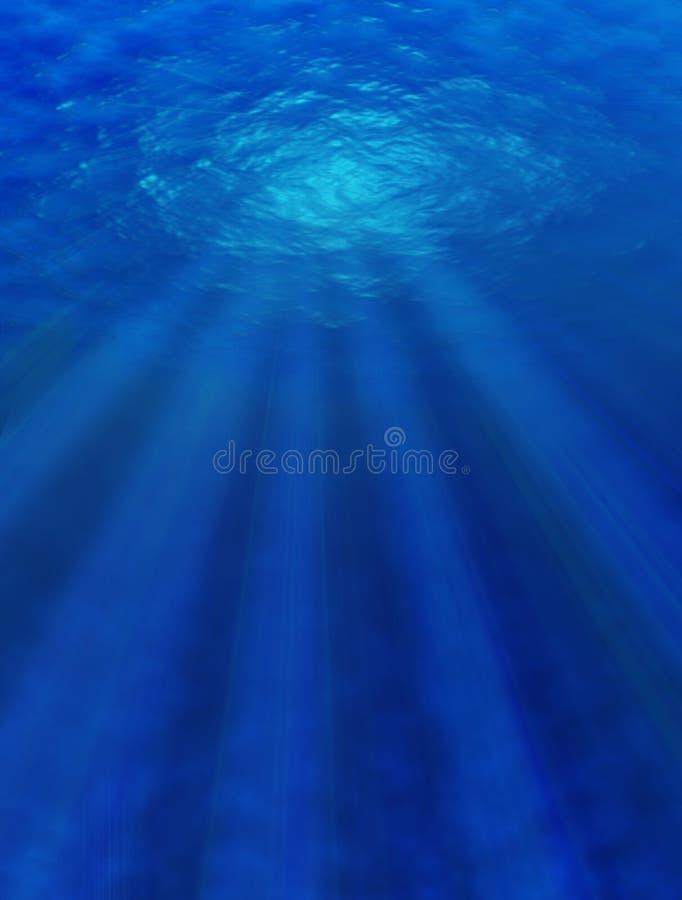 Haces de Sun que pasan a través del agua. fotografía de archivo libre de regalías