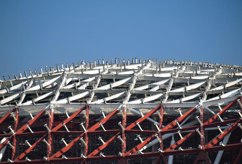 Construcción industrial grande del tejado fotos de archivo