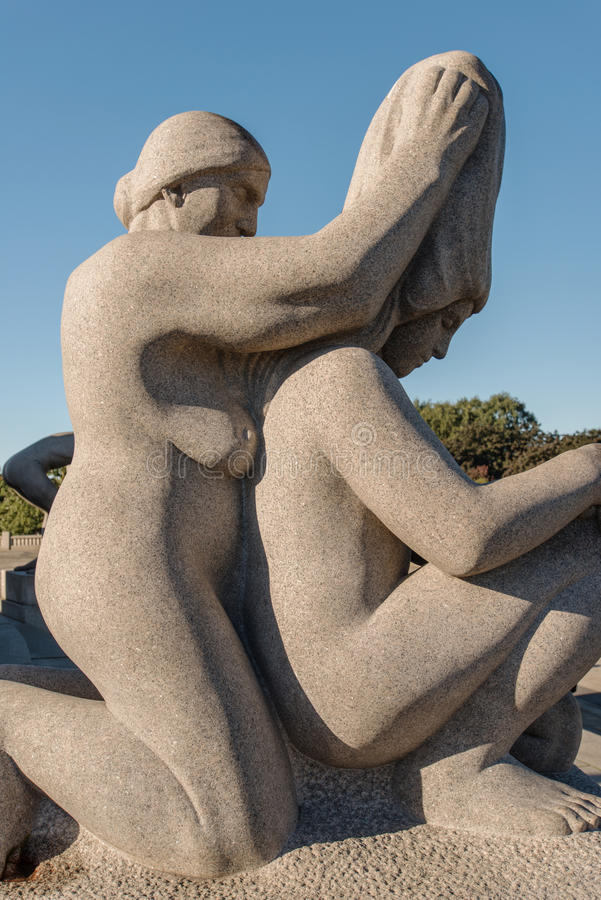 Vigeland公园雕象祖母和妇女 免版税库存照片
