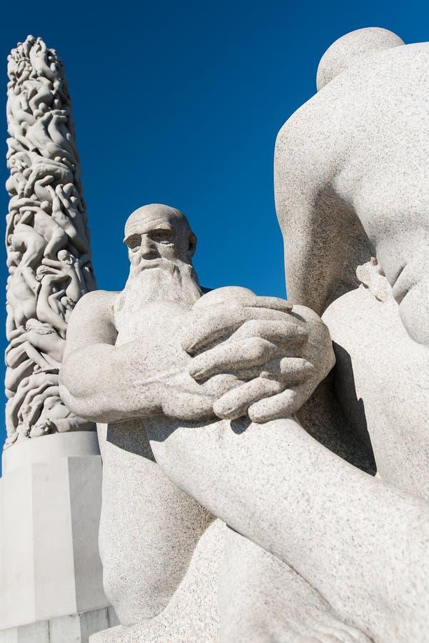 Download Vigeland Skulptur redaktionelles bild. Bild von outdoor - 26371305