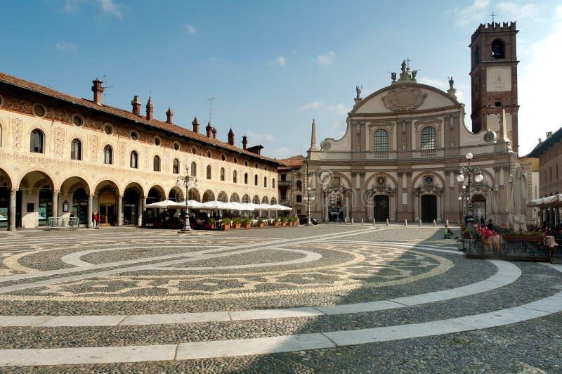 vigevano аркады ducale стоковая фотография rf