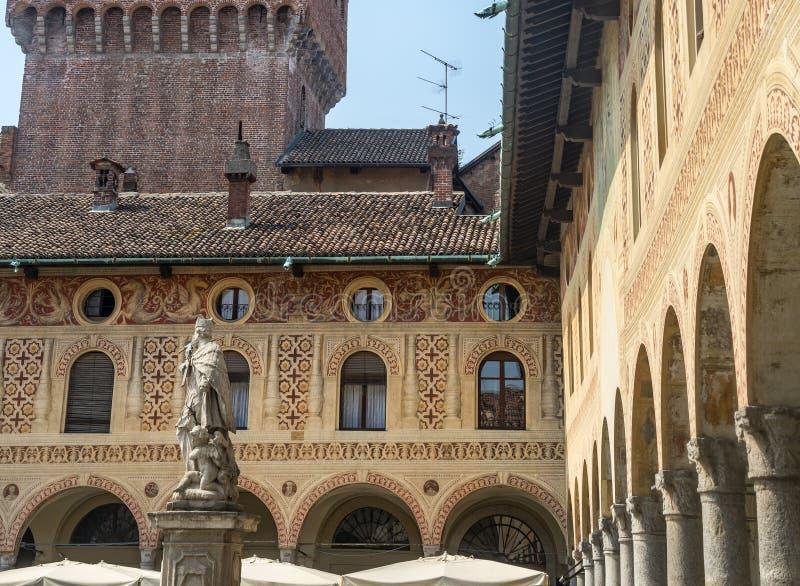 Vigevano: Praça Ducale foto de stock royalty free