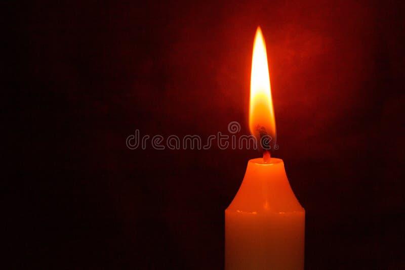 Download Vigil fotografia stock. Immagine di combustione, culto - 117977390