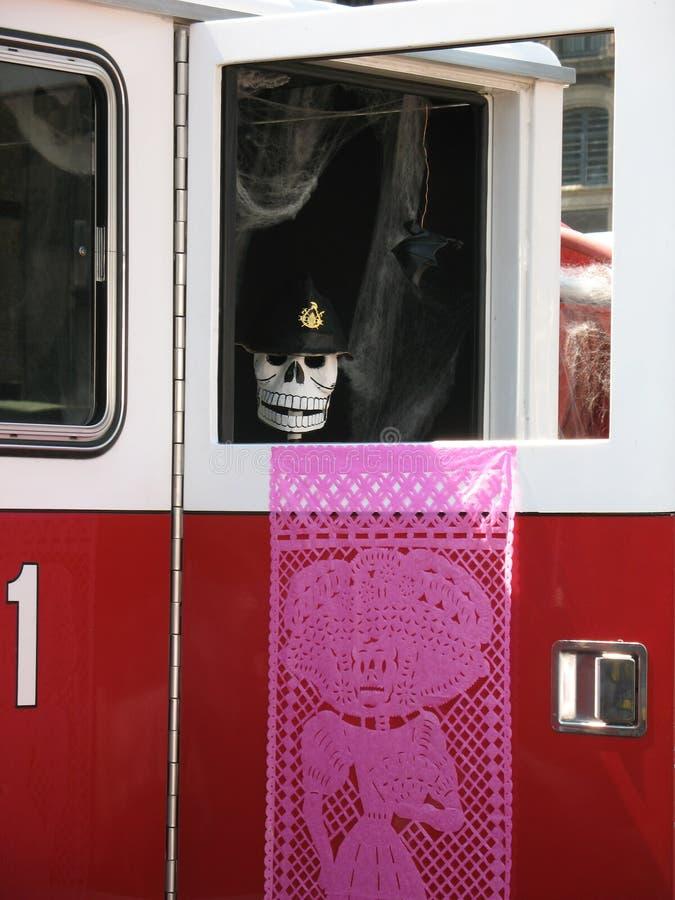 Vigile del fuoco guasto in Halloween immagini stock libere da diritti