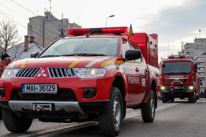 Vigile del fuoco militare del vehicule di parata di festa nazionale rumena immagini stock libere da diritti