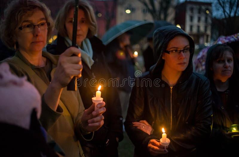 Vigile pour des victimes de tir de Newtown. photographie stock libre de droits