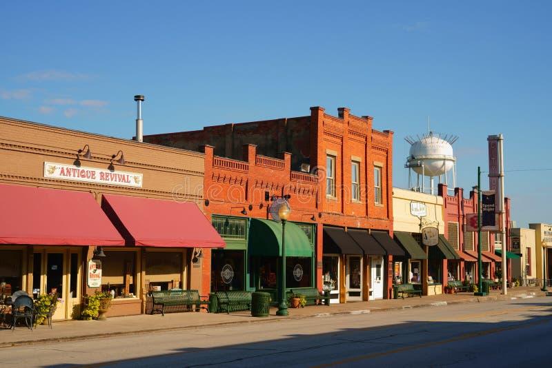 VIGNA, LA CONTEA DI TARRANT, IL TEXAS, U.S.A. - 24 LUGLIO 2019: Main Street in vigna del centro storica, il Texas fotografia stock libera da diritti