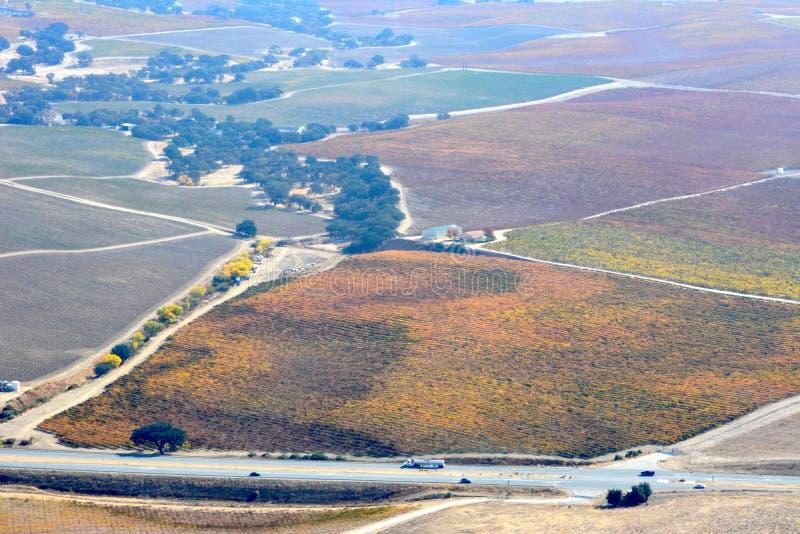 Vignobles d'automne de Paso Robles vus d'un avion - couleurs étonnantes d'automne images stock