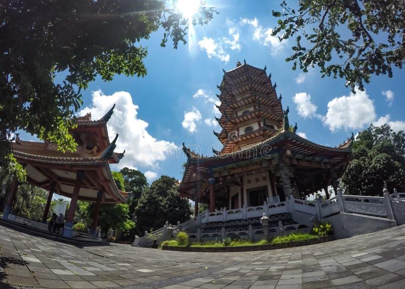 Vihara Buddhagaya in Semarang Indonesien lizenzfreie stockfotos