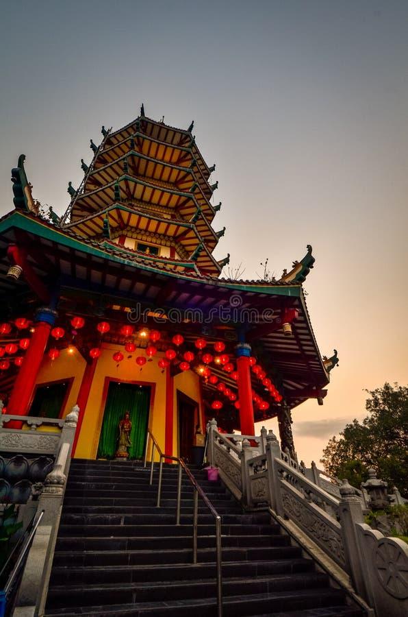 Vihara Buddhagaya in Semarang ist Vihara, das in Jawa Tengah am höchsten ist stockbild