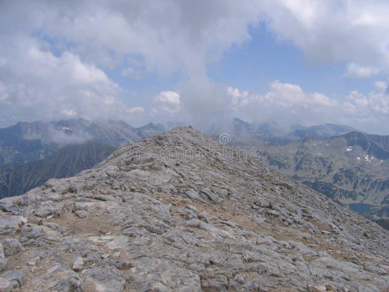 Download Vihren fotografia stock. Immagine di grande, grigio, montagna - 30825526