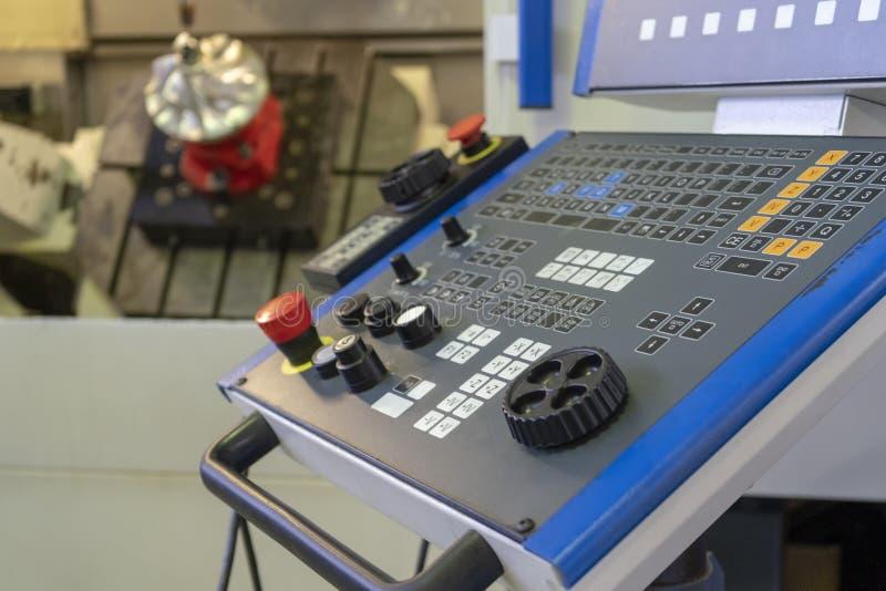 Vijf die as CNC met paneel scherpe straalturbine machinaal bewerken stock afbeelding
